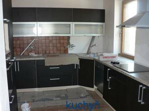 kuchyň a částečný obklad