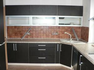 kuchyň už jen začistit a domalovat