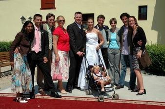 Nasa grupa z Martinairu ( Sebastiaanovi kolegovia s partnerkami )