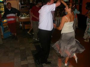 Uvolnite tanecny parket pre solo : SALSAAAAAAA
