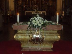 dekorace oltáře - středová