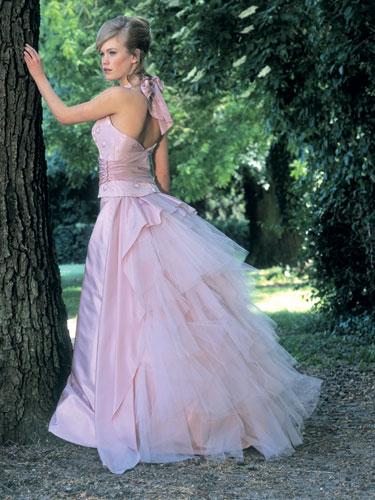 Saty, vlasy, nechtiky, make-up - saliem z tej sukne
