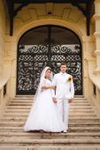Biely svadobny oblek, 54