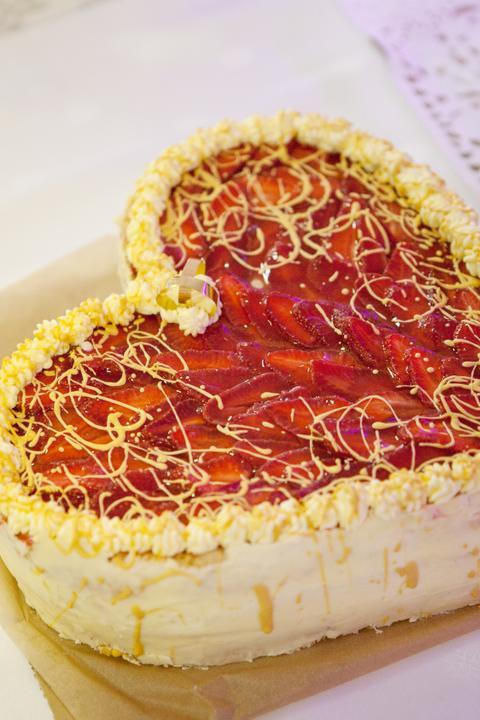 Mirka{{_AND_}}Michal - vynikajuca jahodova tortička:)