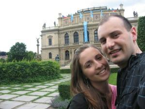 Tak to jsme my, ženich a nevěsta:)
