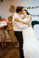 Včera to bylo půl roku od svatby... neuvěřitelně to letííí!