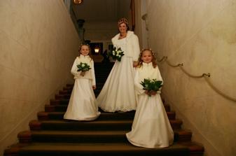 na schodišti zámku