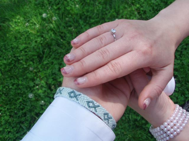Zasnuby - toto su nase zasnubne ruky :)