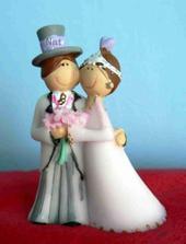 teď už moje figurky na dort. Jsou malušenký a krásnější než na obrázcích.