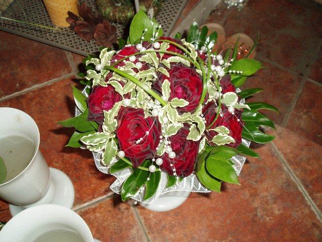 Zuza{{_AND_}}Petr - kytička nevěsty - ještě rok po svatbě krásně drží usušená