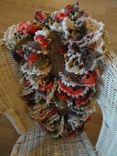 Tvořím letošní vánoční dárky : volánová šála pro neteř