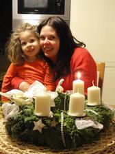 první svíčka zapálená