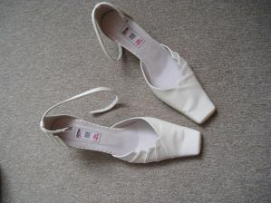botičky pro popelku? Nebo že by pro mě?