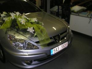 tak takhle podobně bude vyzdobené moje autíčko ve svatební den