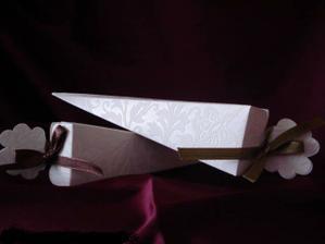 a ešte krabičky na darčeky pre hostí :)))