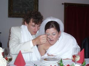 papej polívčičku :))) a já mu zobu z ruky :)))