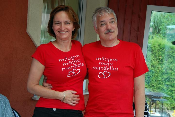 Silvia{{_AND_}}Július - na letnej narodeninovej párty sme takto vítali našich hostí (a dobre sme ich pobavili...)