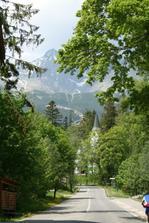 Nedeľa 22.máj 2011 v Tatranskej Lomnici - v pozadí Lomnický štít