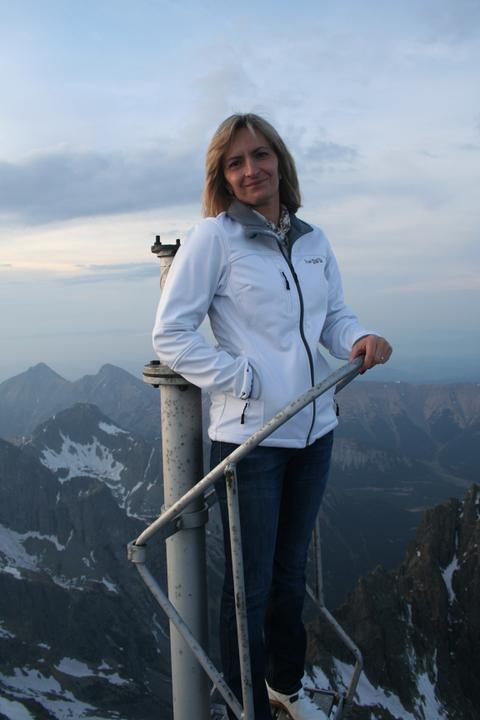 Silvia{{_AND_}}Július - Po večeri - v civile - na streche meteorologickej stanice a observatória