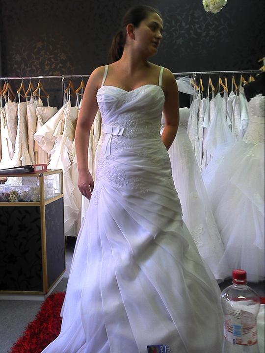 Pripravene -zariadene - Pekne šaty mi mamka vybrala povôdne som biele nechcela ale dala som sa ukecať