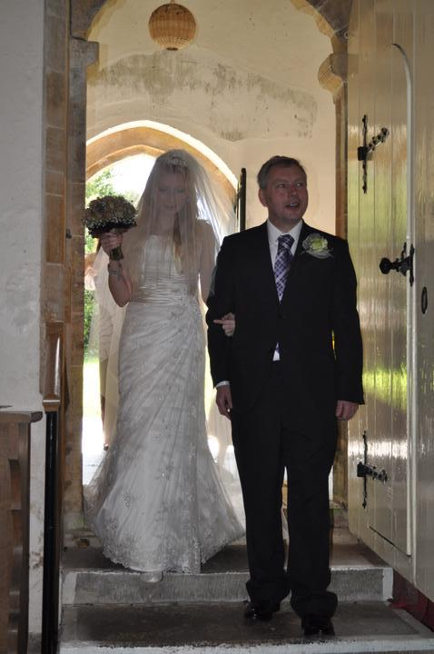 Laura Tomlin{{_AND_}}Vish Skinner - Making my entrance with dad