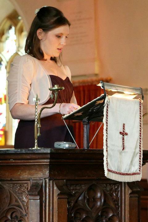 Laura Tomlin{{_AND_}}Vish Skinner - My sister giving a reading