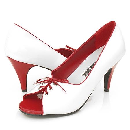 Zaciname - vintage shoes na vintinge wedding
