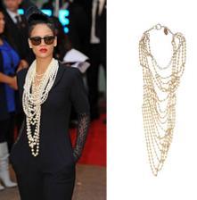 Jediné co vím je, že chci spousty spousty perel, přesně nějak takhle....