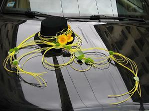výzdoba pro ženicha na auto