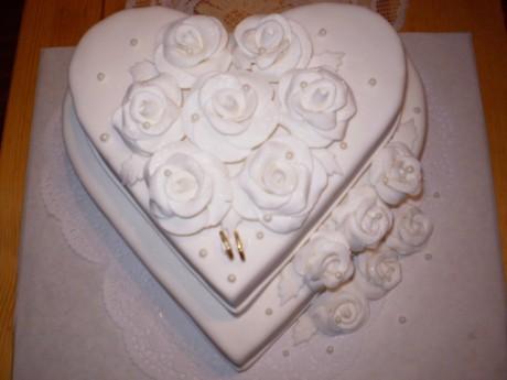 Svadobne torty, zakusky - Obrázok č. 8