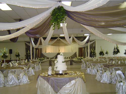 Purple Wedding Dreams..:o) - Vo fialovej a s lampionmi sa mi takato vyzdoba paci.. A hodi sa aj k sale..