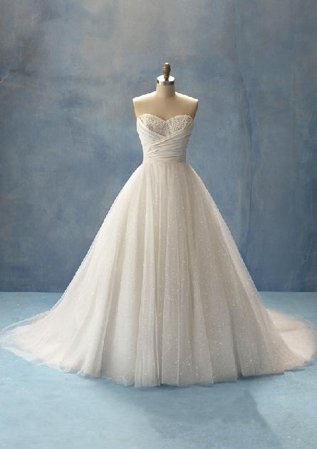 Keby som sa mohla odviazať, moja svadba snov by vyzerala takto... - ako pre princeznú :) zdroj obrázku: http://www.alfredangelobridal.eu/collections/productdisplay.aspx?productID=5adc334e-baf0-49ea-9114-bd4fbd7005fb&categoryID=0c9edf20-8d32-4f94-b37e-062b0234c790&pg=1&colorId1=