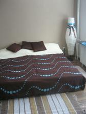 postel dostala nový šat v rámci možností...