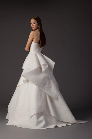 TOP svadobní návrhári :) - Angel Sanchez