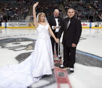 GÓÓÓÓÓÓÓÓÓÓÓÓL ..... alebo.... Aj ženy milujú hokej :) - Obrázok č. 51