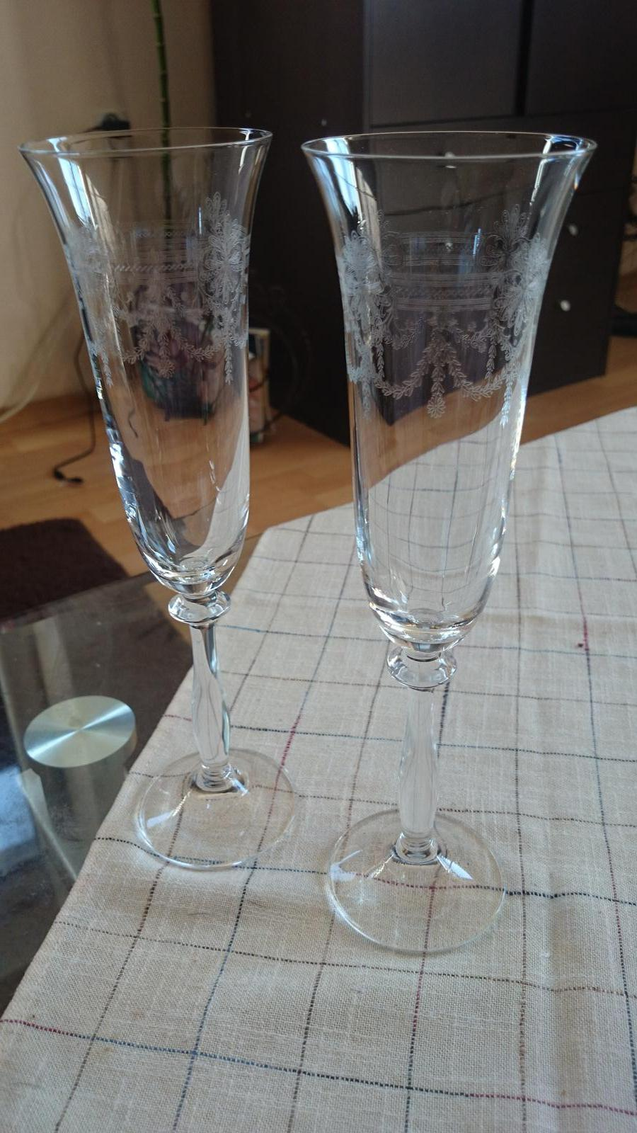 Nase pripravy :)) - nase kraaasne pohare už len dozdonit modrou stuzkou :-)