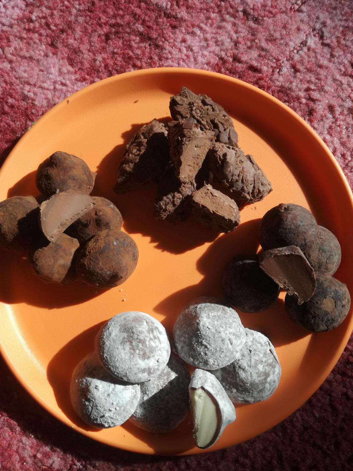 Lahodné čokoládové pralinky - Obrázek č. 1