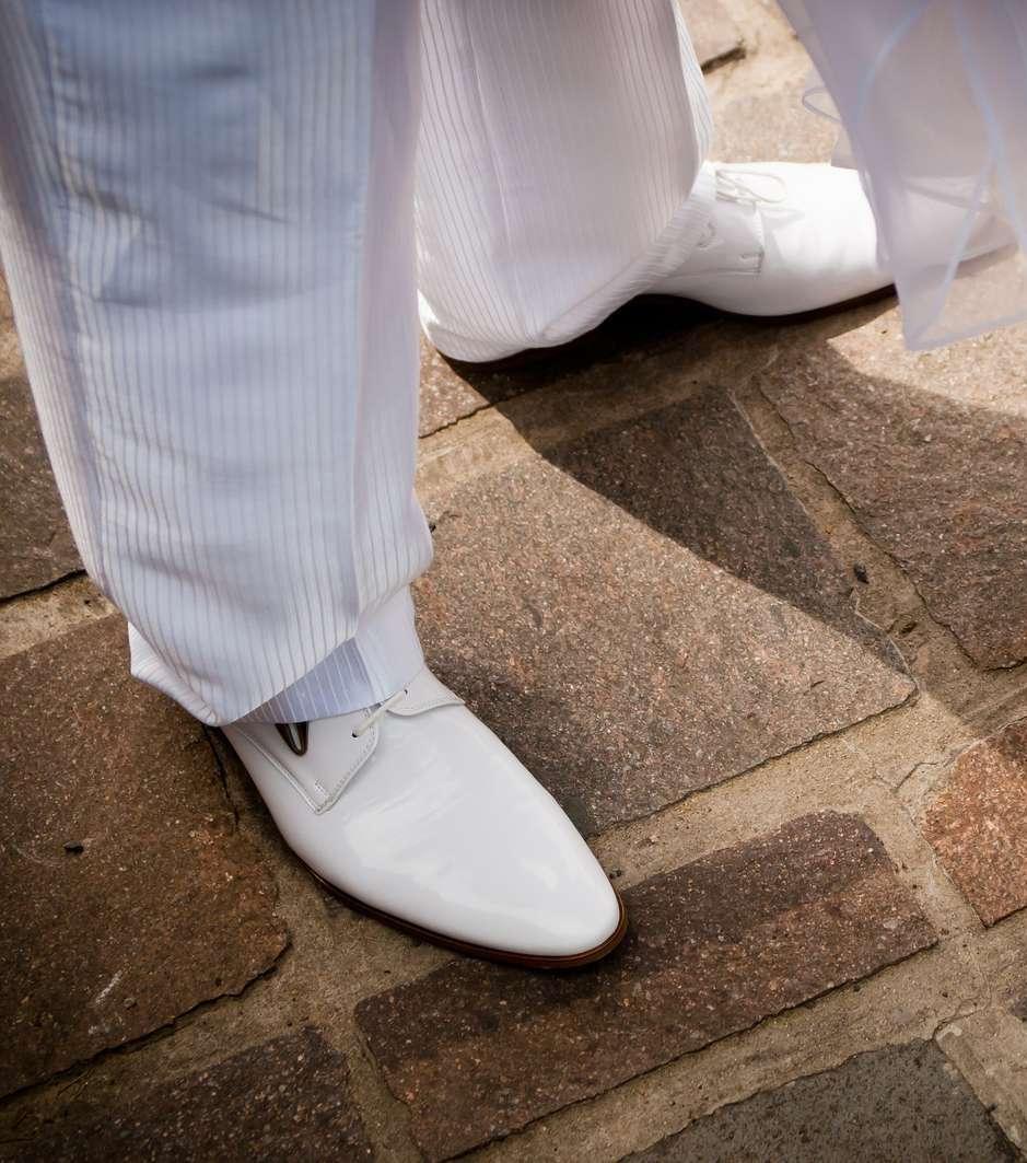 Biely oblek - Obrázok č. 2