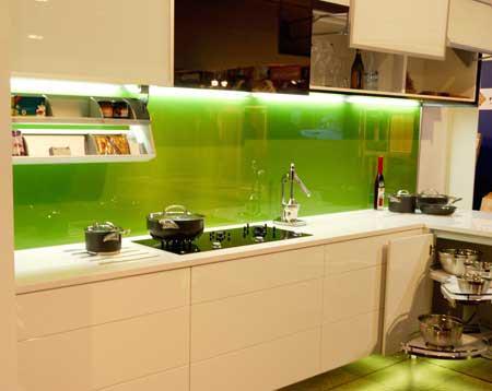 Zelená, kam sa pozrieš - stále decentne a vkusne - Obrázok č. 40
