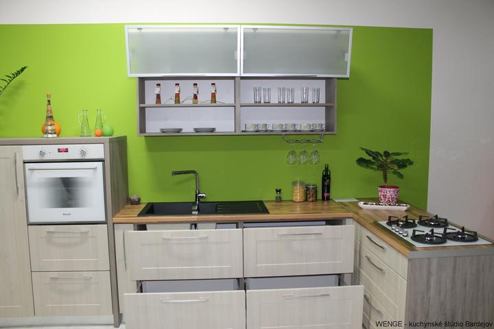 Zelená, kam sa pozrieš - stále decentne a vkusne - Obrázok č. 127