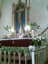 Oltár u nás v kostole..