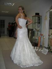 Prvé šaty aké som si vôbec skúšala...(first time trying dress)