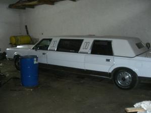 limuzínka je objednaná, nádherný lincoln