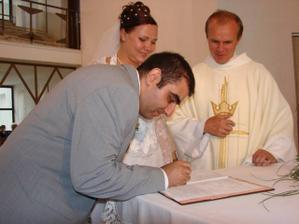 Manželovi sa podpis nezmenil, napriek tomu sa poplietol. Z čoho asi??? :-)