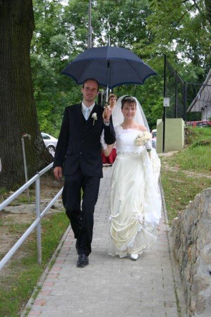 Martina Žilliková{{_AND_}}Radovan Šoltés - Príchod do kostola