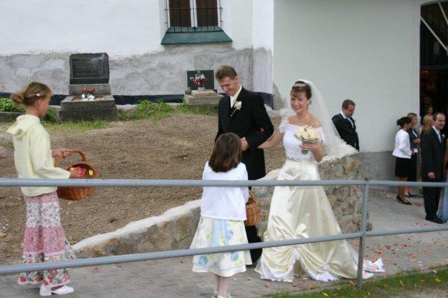 Martina Žilliková{{_AND_}}Radovan Šoltés - Pred kostolom4