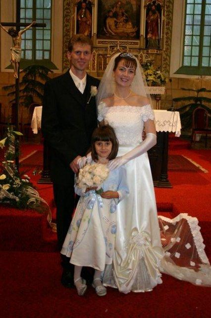 Martina Žilliková{{_AND_}}Radovan Šoltés - Mladomanželia s Laurou