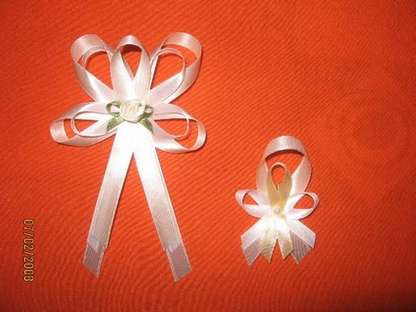 Môj veľký deň D-19.júl 2008 - ..krásne pierka pre hostí a svadobných rodičov...