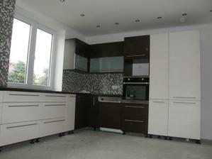 a tady už je naše kuchyňka