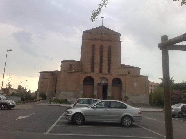 Suzi a neno - v tomto kostole sa  budeme sobasit